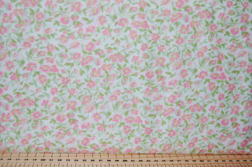 Fabric Shack Sewing Quilting Sew Fat Quarter Cotton Quilt Patchwork Dressmaking Cath Kidson  Classic Floral Flower Guernsey Roses Paisley Pink Blue Cream Large Small 8