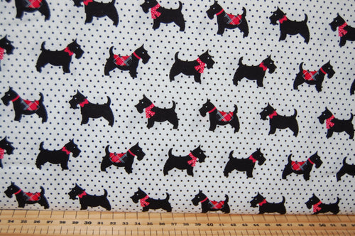 Fabric Shack Sewing Quilting Sew Fat Quarter Cotton Quilt Patchwork Dressmaking Christmas Xmas Holidays Scotty Scottie Scotland Dog  Fire Hearth Pillow Panel Red Black Tartan Check Polka D (2)