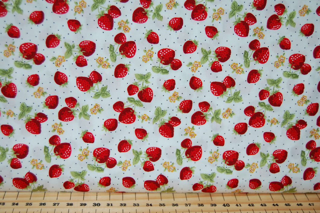 Fabric Shack Sewing Quilting Sew Fat Quarter Cotton Quilt Patchwork Dressmaking Rose & Hubble and Strawberry Strawberries Ivory White Picnic
