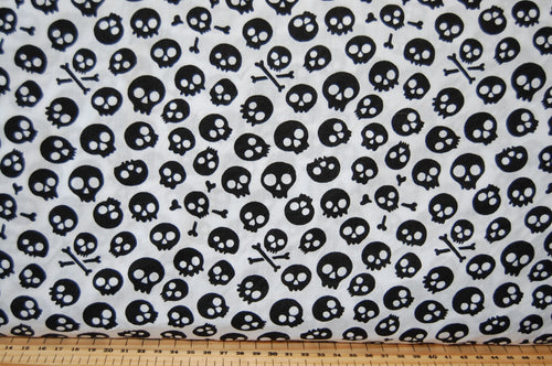 Polycotton 'Spooky/Kooky' Halloween Skulls on White