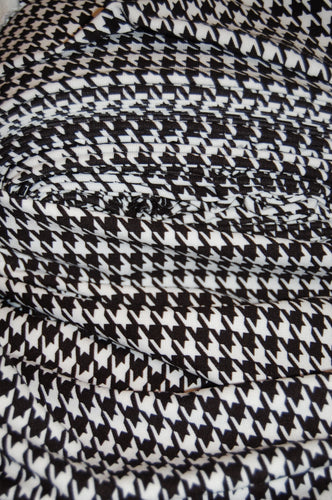 Fabric Shack Sewing Quilting Sew Fat Quarter Ponte Roma Ponti Di Roma Polyester Spandex Double Knit Stretch Stretchy Jersey Medium Heavy Weight Black White Houndstooth Mod Dogs Tooth (2)