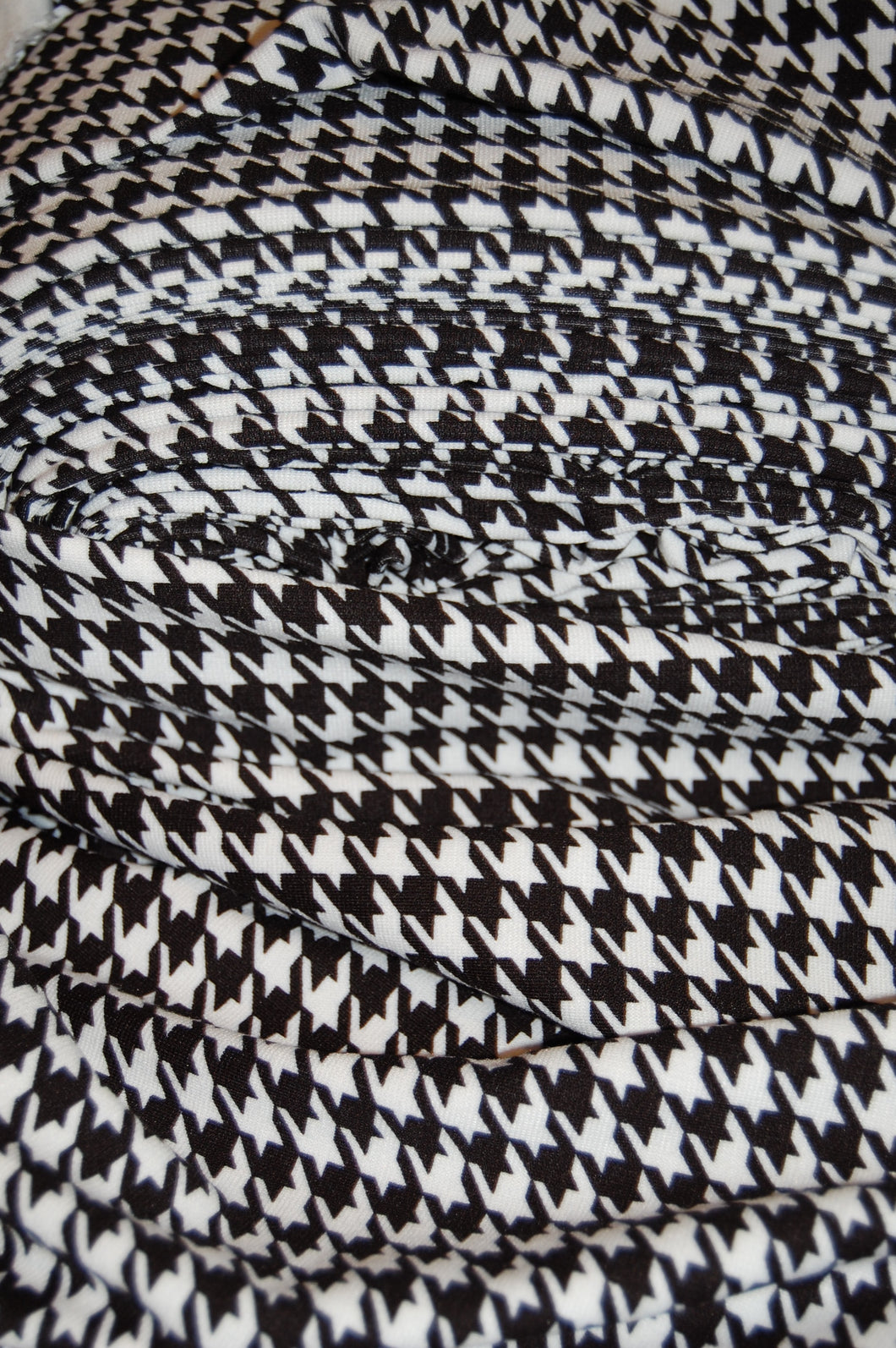 Ponte Roma/Ponti Di Roma Double Knit Jersey Houndstooth/Dogstooth ...