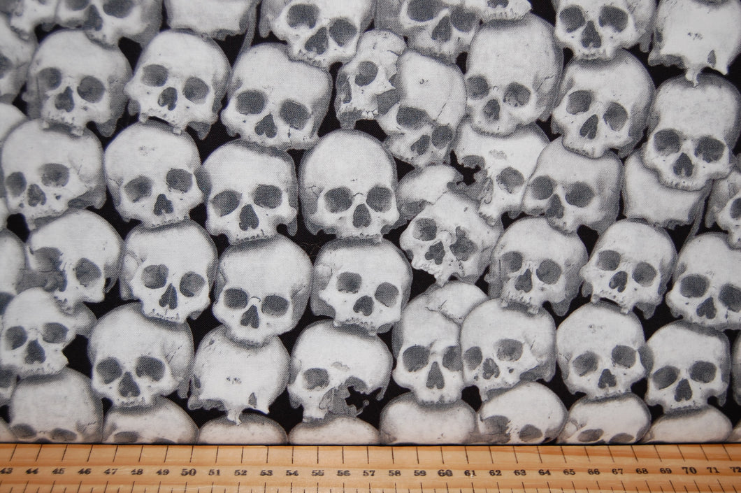 fabric shack sewing quilting sew fat quarter cotton quilt patchwork dressmaking blank ghoulish gatherings goulish glow in the dark halloween goth emo ghosts skulls dolls raven crow skeletons moon  (3)