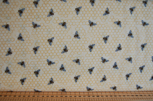 fabric shack sewing quilting sew fat quarter cotton quilt patchwork dressmaking deb strain moda bee joyful bumble hive script panel honeycomb yellow gold black cream (2)