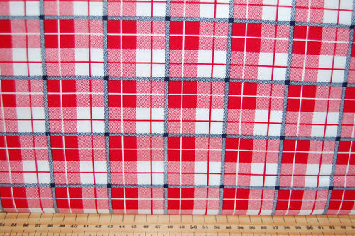 fabric shack sewing quilting sew fat quarter cotton quilt patchwork dressmaking ski resort skiing slopes lodge piste lumberjack check tartan village christmas holidays snow snowflake (4)