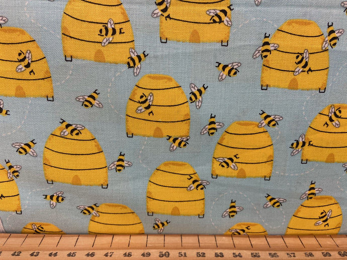 fabric shack sewing quilting sew fat quarter cotton patchwork quilt 3 three wishes feed the bees bumble hives