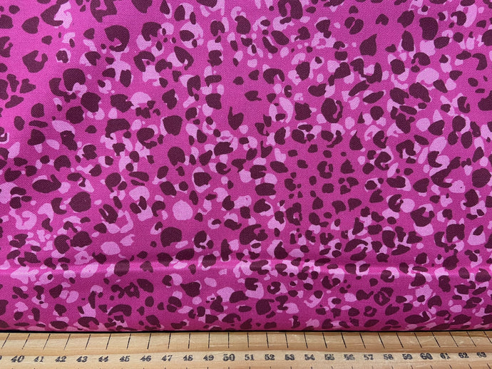 fabric shack sewing quilting sew fat quarter cotton patchwork quilt crystal manning for moda kasada animal print pink