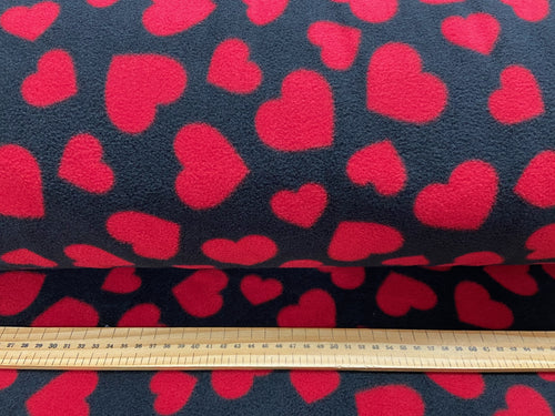fabric shack sewing quilting sew fat quarter cotton patchwork quilt polar love hearts black red