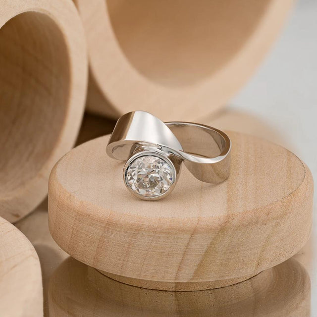 Diamond Mobius Ring