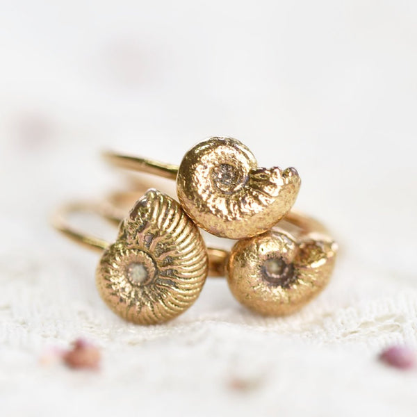 BRITISH AMMONITE FOSSIL RING IN GOLD