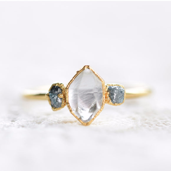 HERKIMER DIAMOND AND ROUGH BLUE DIAMOND RING IN GOLD
