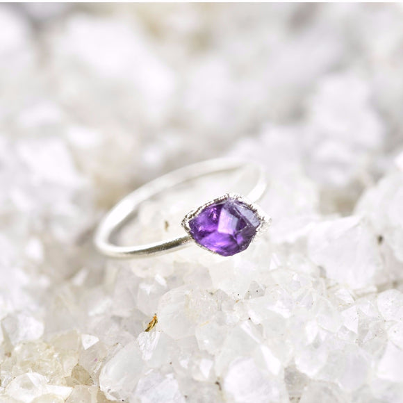RAW AMETHYST RING IN FINE SILVER (SMALL STONE VERSION)