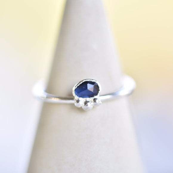 DAINTY ROSE CUT SAPPHIRE RING IN FINE SILVER