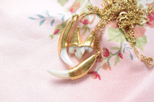 REAL FOX FANG NECKLACE IN FINE GOLD
