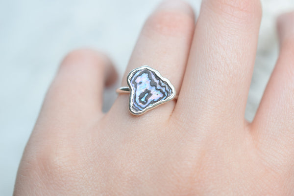 PAUA/ABALONE SHELL RING IN FINE SILVER