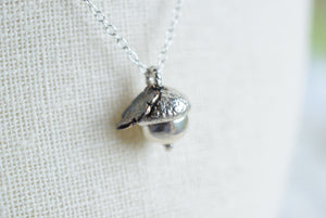 REAL ENGLISH ACORN AND LEAF NECKLACE IN FINE SILVER