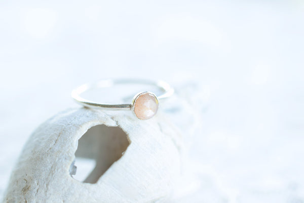 ROSE CUT PEACH MOONSTONE RING IN FINE SILVER