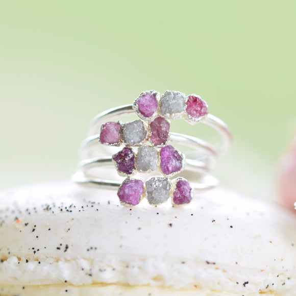 ROUGH RUBY AND DIAMOND RING IN FINE SILVER