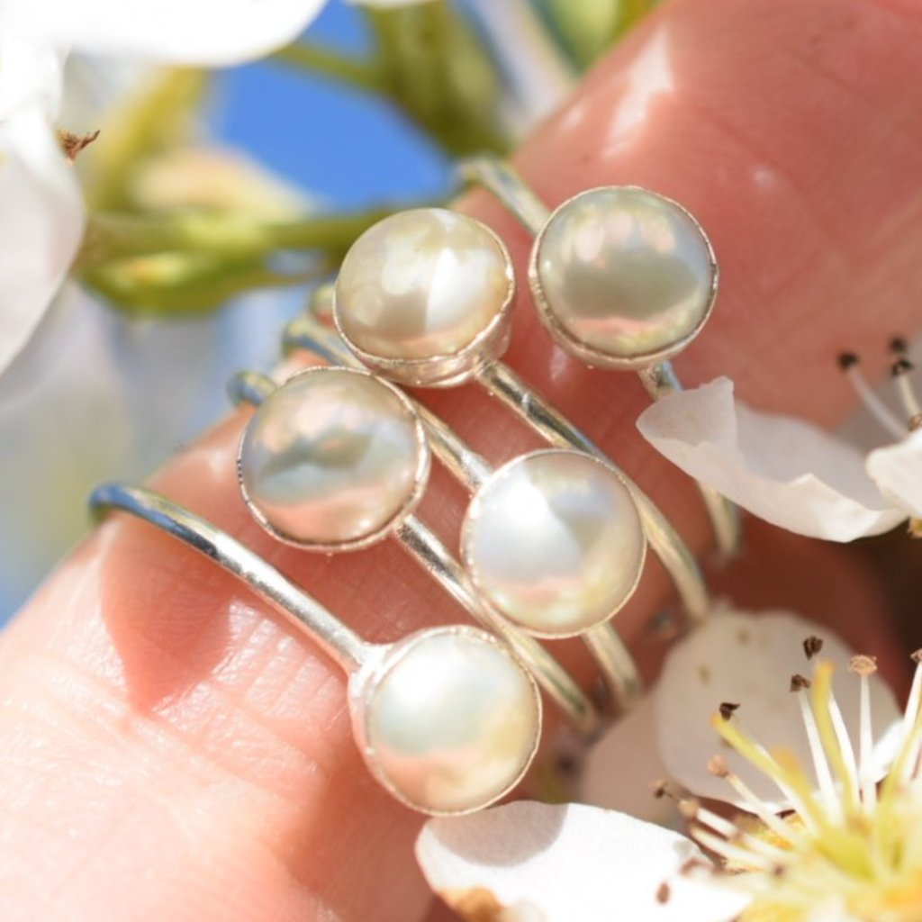 WHITE FRESHWATER PEARL RING IN FINE SILVER