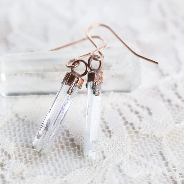 AQUAMARINE CRYSTAL DROP EARRINGS IN ROSE