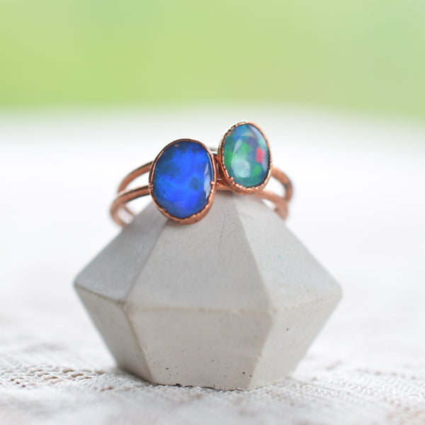 *SET OF TWO* ETHIOPIAN OPAL RINGS IN RECYCLED COPPER