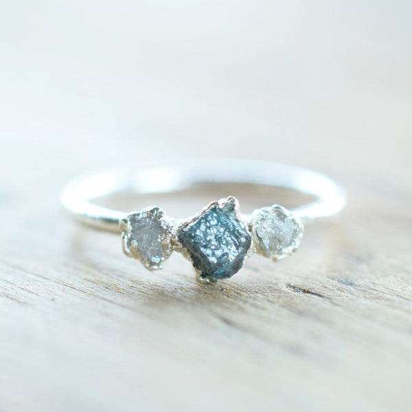 ROUGH BLUE AND WHITE DIAMOND RING IN FINE SILVER