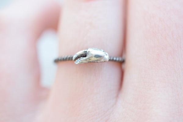 REAL TINY CRAB CLAW RING FINE SILVER