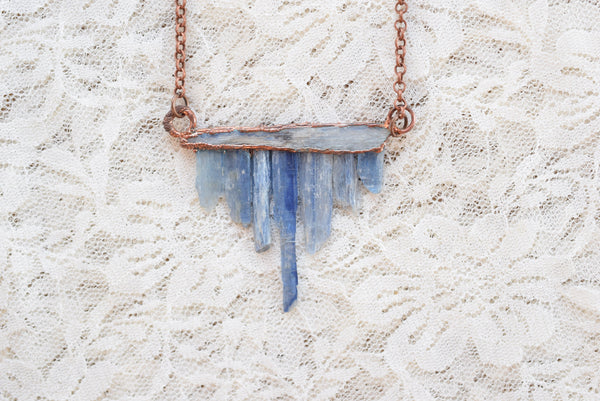 ROUGH KYANITE TRIBAL NECKLACE IN RECYCLED COPPER