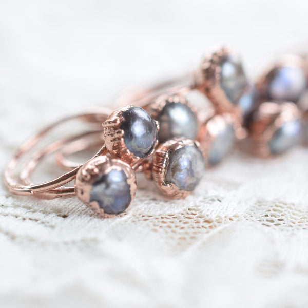 BLACK PEARL 'SECOUNDS RINGS' IN RECYCLED COPPER
