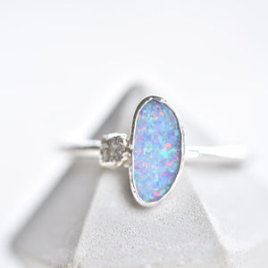 OPAL AND ROUGH DIAMOND RING IN FINE SILVER