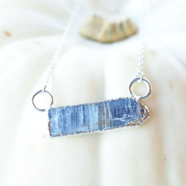 ROUGH KYANITE NECKLACE IN SILVER PLATED COPPER
