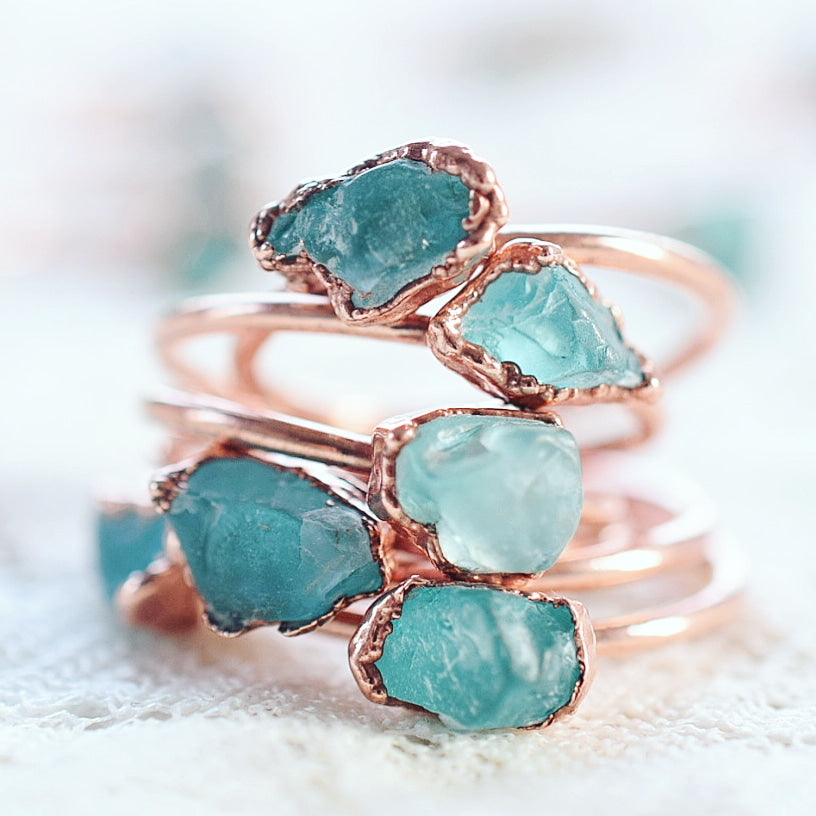 RAW BLUE APATITE RING IN RECYCLED COPPER
