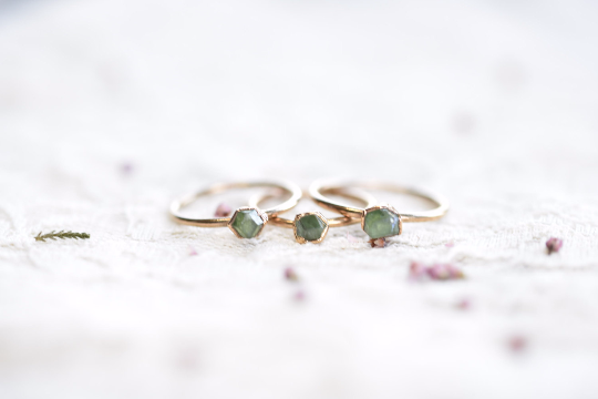 RAW GREEN GARNET CRYSTAL RING IN FINE SLIVER