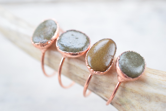 SCOTTISH RIVER PEBBLE RING IN RECYCLED COPPER