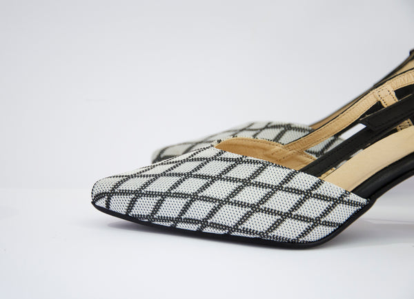 #13 Black&White Knitted Sandal