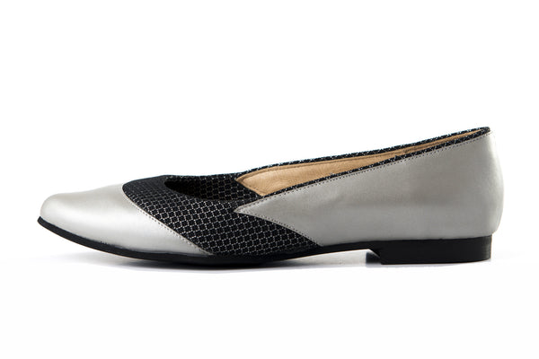 LAST SIZES -  Flat Pump - Silver & Black