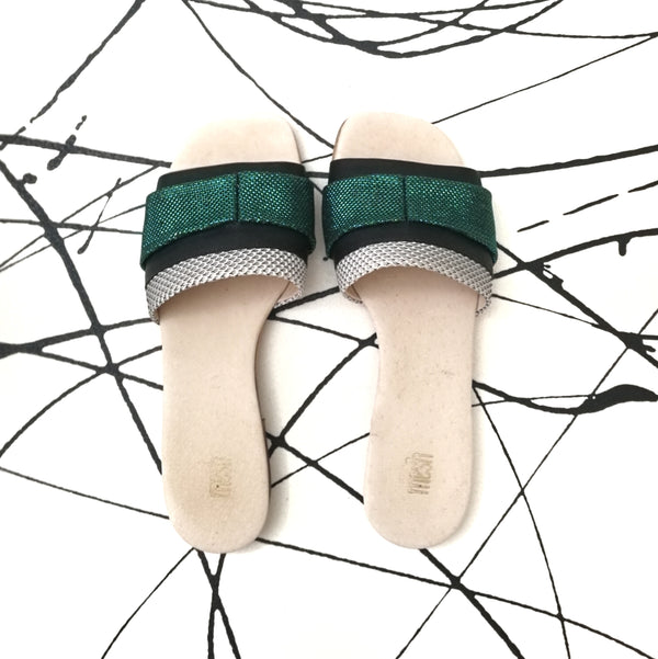 LAST SIZES #8 MESH SLIDES - GREEN & BLACK
