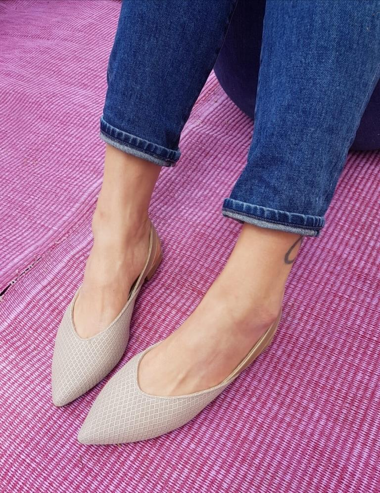 #14 Nude & Gold Flats