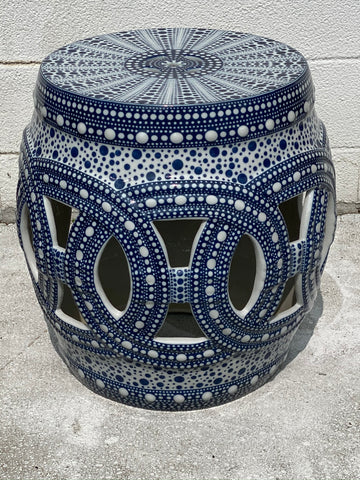 Large Outdoor Porcelaine Side table in Blue and White