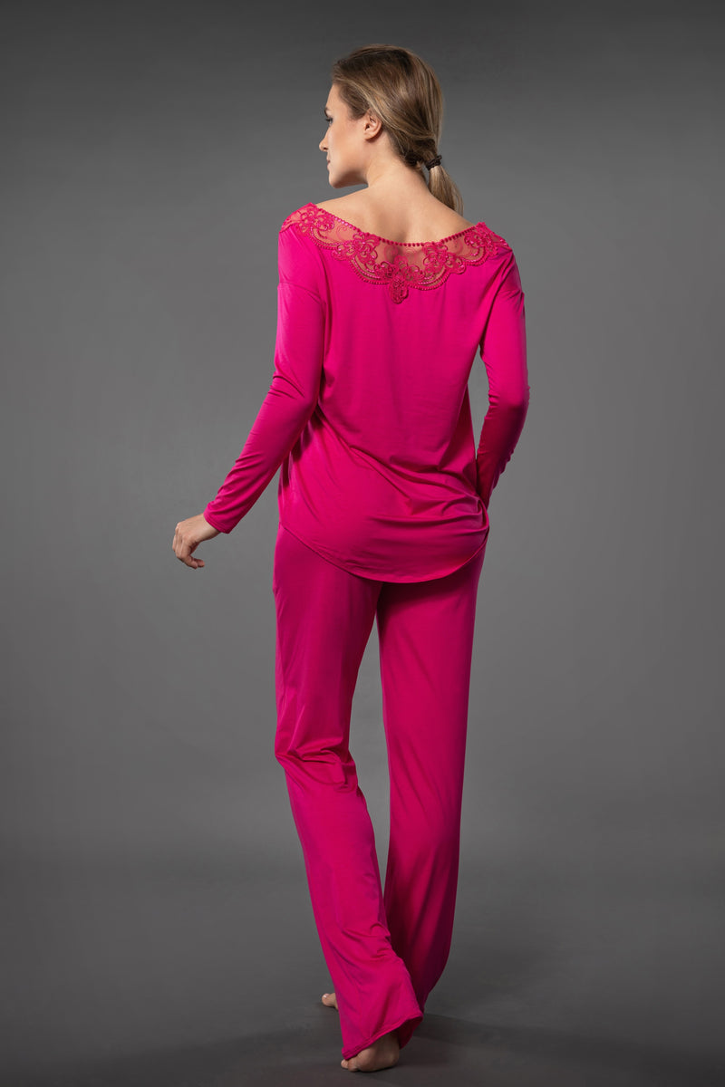 Pink ladies loungewear lace top and pyjama pants with pockets in palazzo pants style