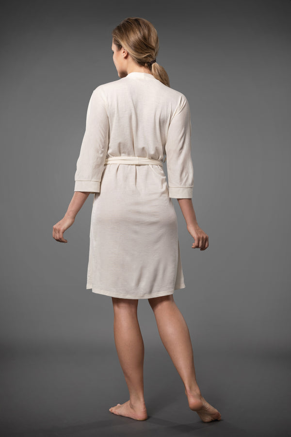 Ivory short dressing gown with embroidery and side pockets, the kimono dressing gown made of merino wool and silk