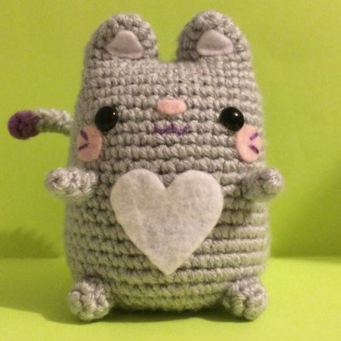 Meet Kitty!  The Sweetest Kitty Cat Amiguruimi!