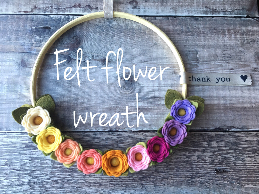 Free video tutorial: felt flower wreath