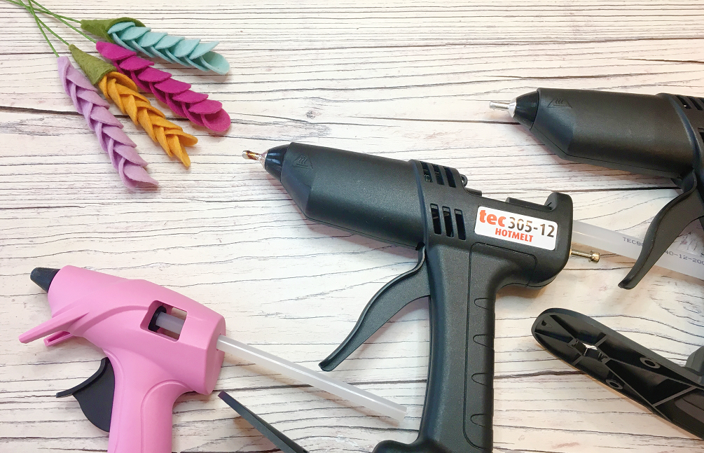Felt flower basics glue guns