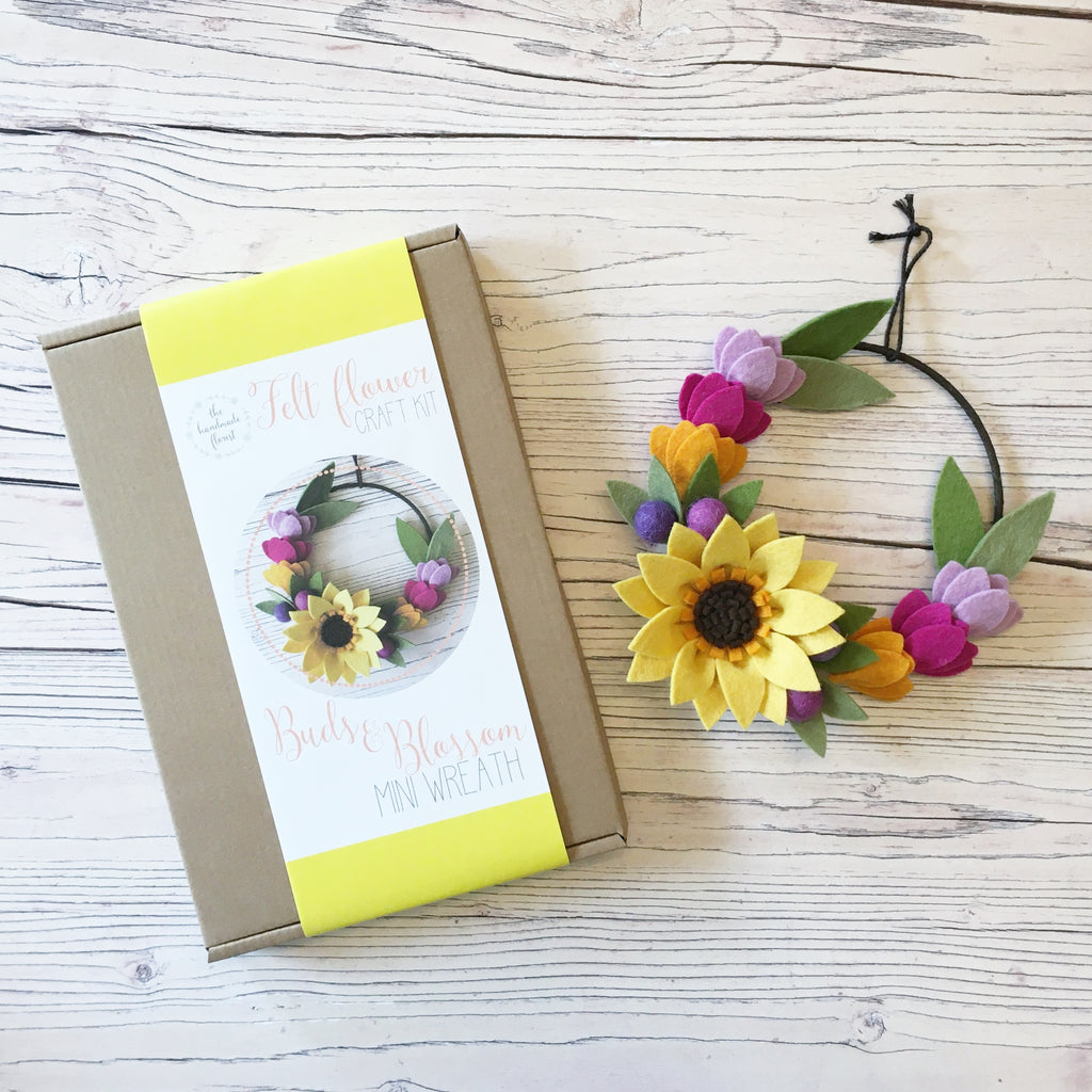 Buds & Blossom Mini Wreath craft kit