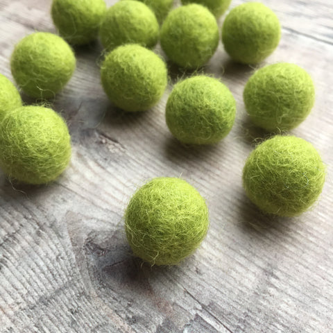 Felt balls: 1.5cm lime green (pack of 15)