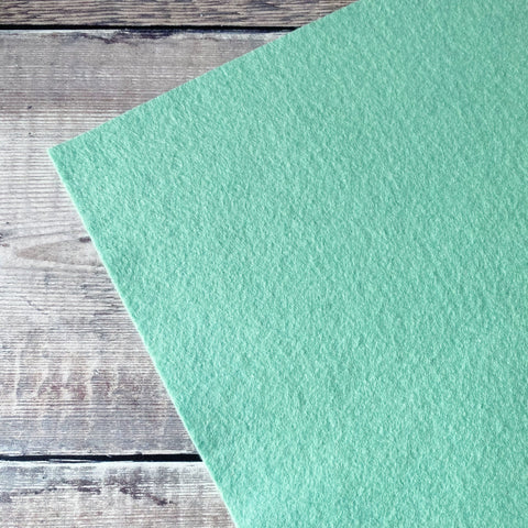 Makealong 2021: Serene Green felt sheet