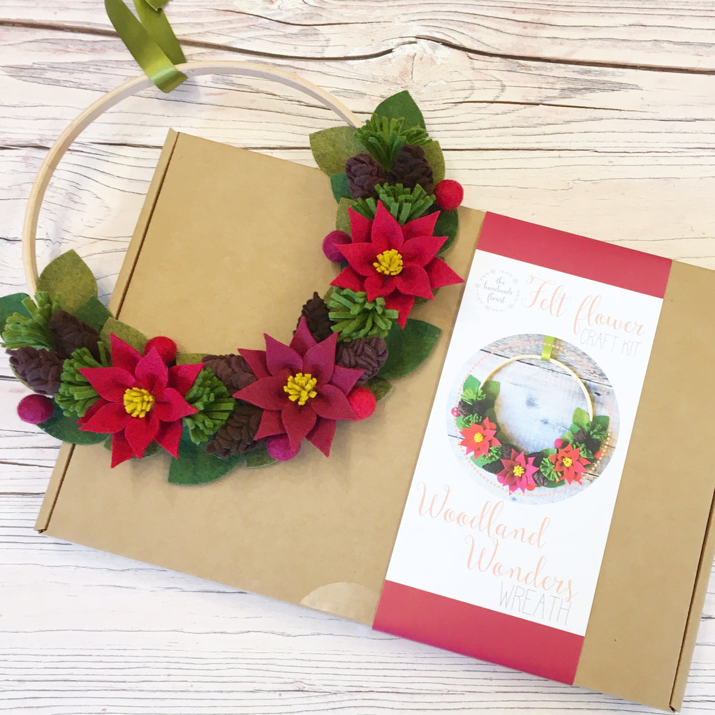Woodland Wonders Wreath craft kit (warm/red version)
