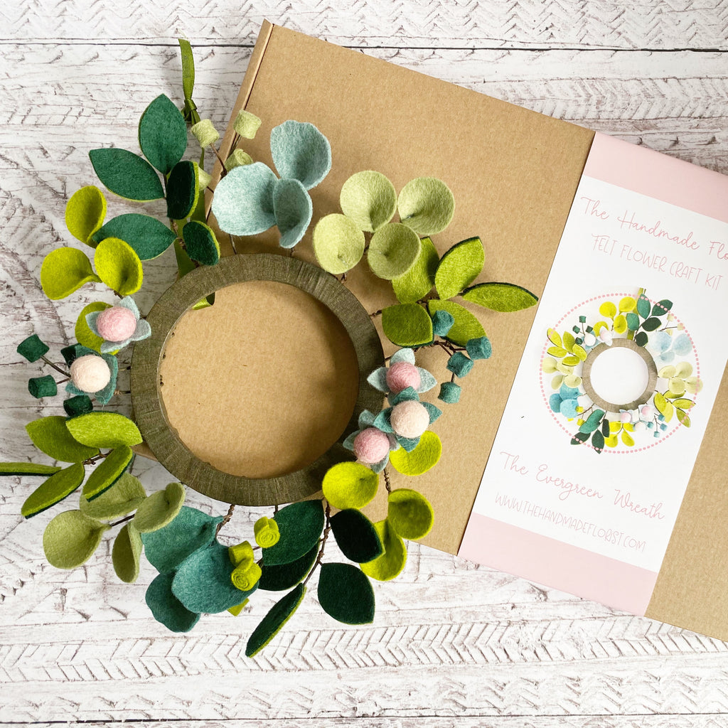 The Evergreen Wreath craft kit