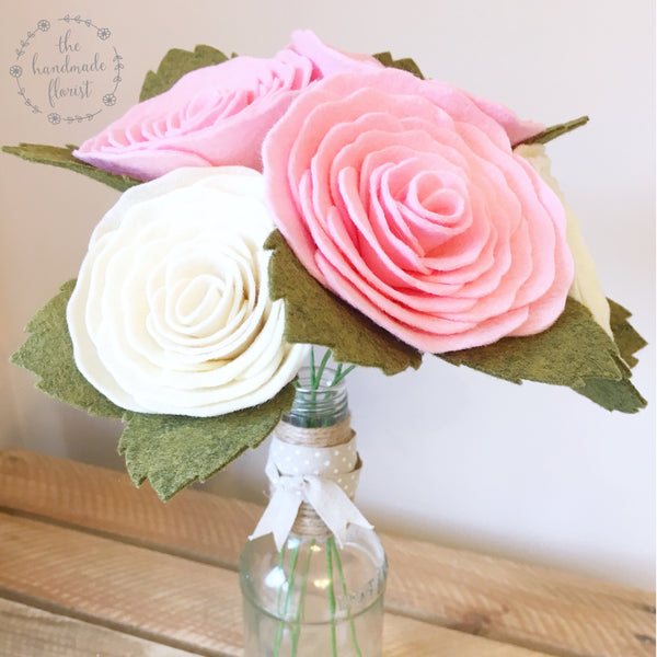 PDF pattern download: Spiralling Rose Bouquet